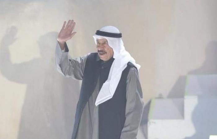 الخليح | عبدالكريم عبدالقادر مكرماً في العلا.. وفيديو من الطائرة