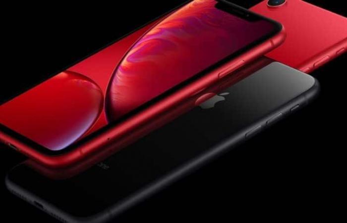 مقارنة شاملة بين سامسونج Galaxy S10E وآبل iPhone XR