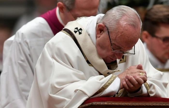 """البابا يشبه الاعتداءات الجنسية على الأطفال بـ""""أضاحي"""" الوثنيين"""