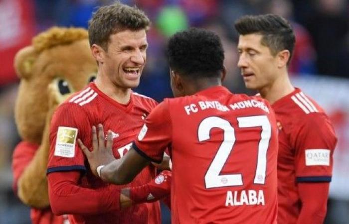 بايرن ميونيخ يهزم هيرتا برلين ويعادل نقاط متصدر الدوري الألماني