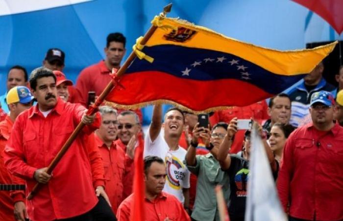 تشديد الضغوط الدولية على مادورو بعد يوم من أعمال العنف