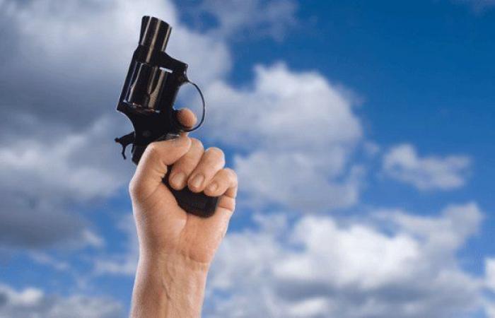 في بدارو.. أُصيب برصاصة طائشة
