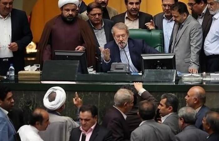 إيران | منع البرلمان من نظر تخصيص خامنئي 1.5 مليار يورو للجيش