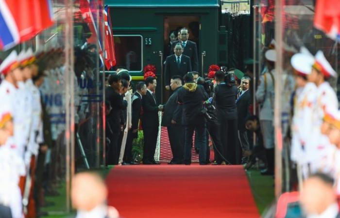 ترمب يصل إلى هانوي لعقد قمته الثانية مع الزعيم الكوري الشمالي