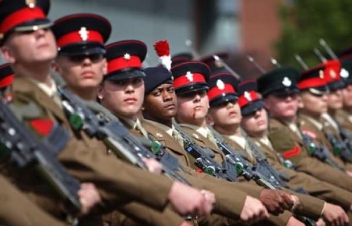 مطالبة الجيش البريطاني بالكف عن تجنيد الأطفال