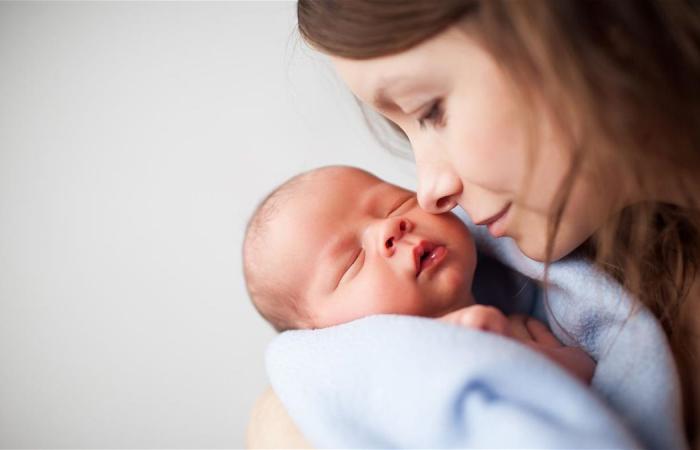 أثمن ما تعطيه كلّ أمّ لطفلها.. تعرّفوا الى أسرار 'جيش الدفاع' بالرضاعة الطبيعية!