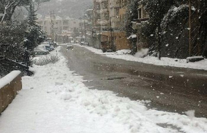 تساقط كثيف للثلوج في بلدات المتن الاعلى وجرد عاليه