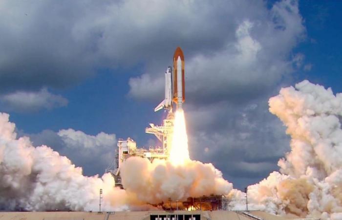 إطلاق صاروخ روسي من مركز فرنسي يحمل 6 أقمار بريطانية