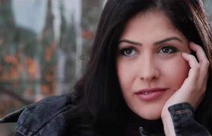 على خطى رانيا يوسف.. فنانة مصرية بفستان مثير و'هوت شورت' (صورة)