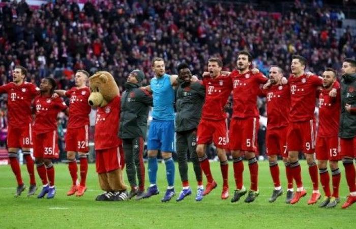بايرن ميونيخ ينتزع صدارة الدوري الألماني من دورتموند