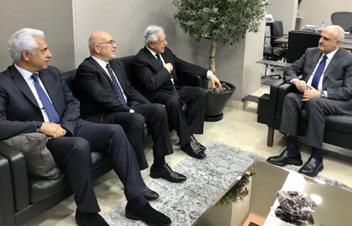 خليل بحث وسفير الكويت العلاقات بين البلدين