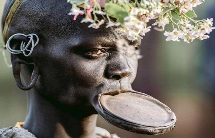 معيار غير متوقع للجمال في هذه القبيلة الإثيوبية (بالصورة)
