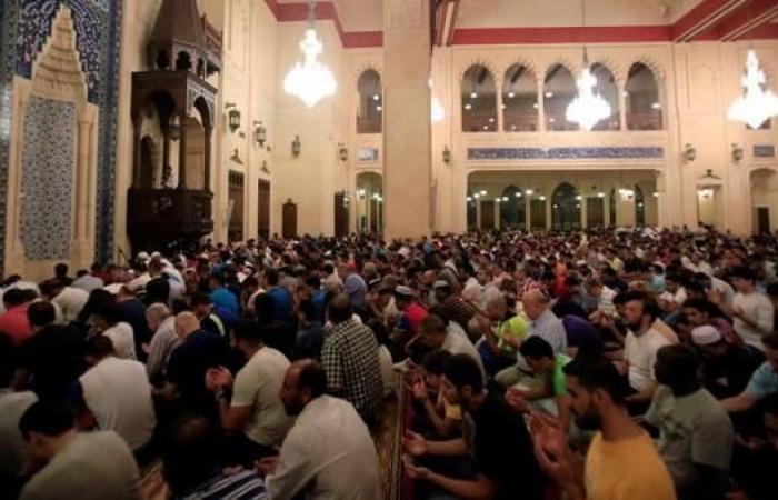 الجزائر.. الأئمة يرفضون تدخل السلطة بخطبهم لدعم النظام