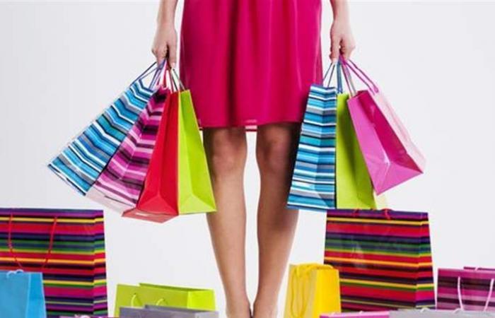 هذا الإحساس بعد الشراء يعني أنّك مصابة بإدمان التسوق! (فيديو)