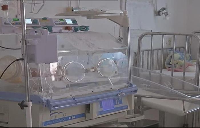 مأساة الرضع بتونس.. 15 جثة تطيح بـ3 مدراء عامين