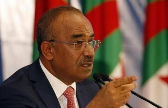 رئيس الوزراء الجزائري يدعو لإقامة دولة قانون جديدة