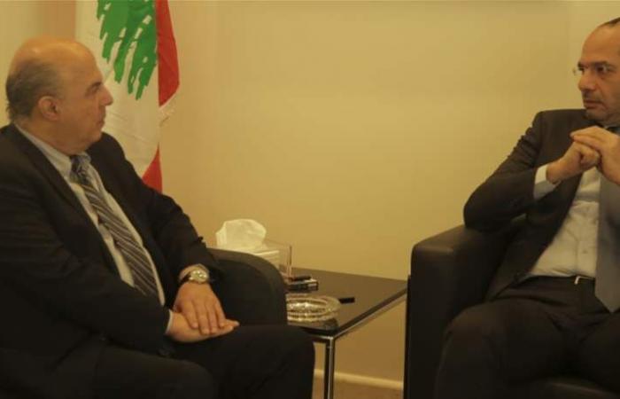مراد: نسعى لإيجاد حلول لقطاع النقل بالتنسيق مع الخليج ودول الجوار