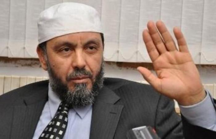 الجزائر.. المتظاهرون يطردون رئيس جبهة العدالة والتنمية