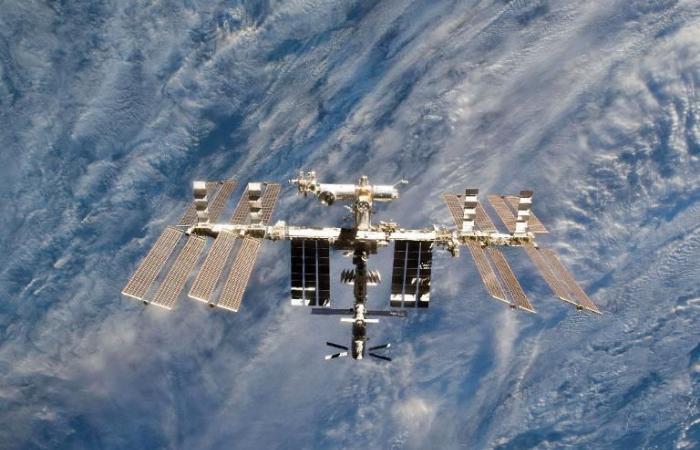 وصول 3 رواد فضاء إلى محطة الفضاء الدولية