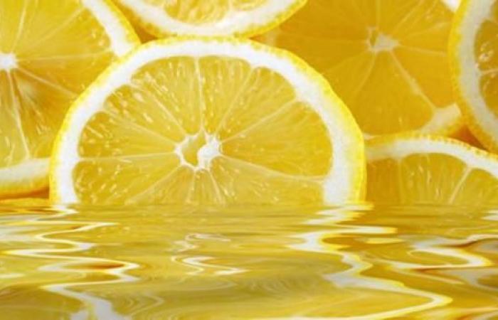 الليمون والملح والفلفل الأسود.. حل لـ10 مشاكل صحية