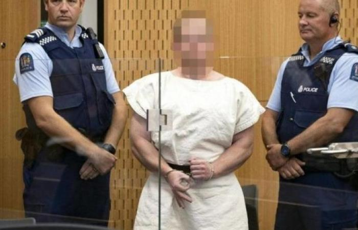 منفذ مجزرة نيوزيلندا يمثل أمام المحكمة بتهمة القتل