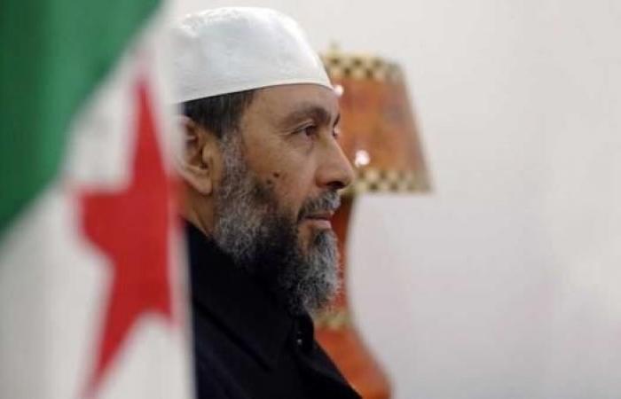 """من هو """"رأس الإخوان"""" بالجزائر الذي تصدّى له المتظاهرون"""