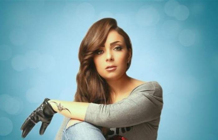 ممثلة مصرية تضج أنوثة وجاذبية بالـ'هوت شورت' (صورة)