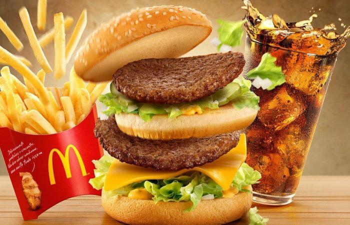 """فضيحة خطيرة في ساندويش """"ماكدونالدز"""" (صورة)"""