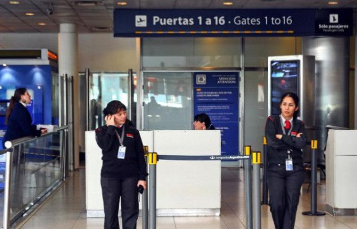 التحقيق في الأرجنتين مع إيرانيين يحملان جوازي سفر إسرائيليين مزورين