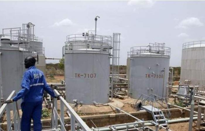 صندوق النقد يحذر السودان: لوقف الإقتراض بضمان النفط