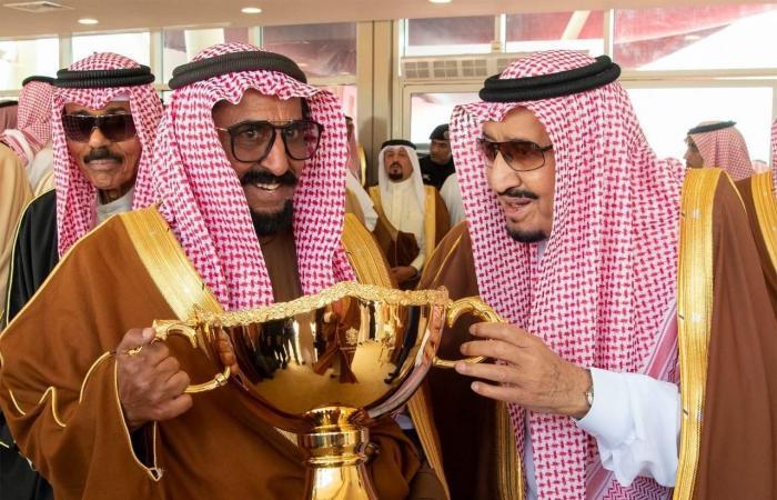 الخليح   صور..الملك سلمان يرعى ختام مهرجان الملك عبدالعزيز للإبل