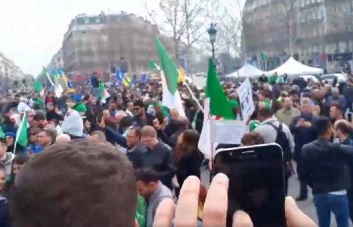 فيديو.. جزائريون يتظاهرون في باريس ضد بقاء بوتفليقة