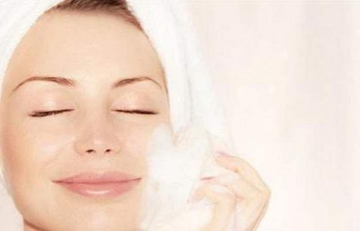 تجنّبي هذه الأخطاء أثناء تنظيف وجهك للحصول على بشرة مثالية