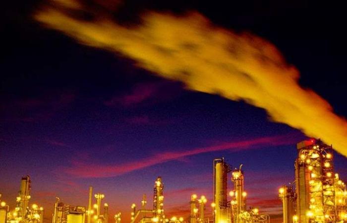 إنخفاض أسعار النفط.. وسط مخاوف من تباطؤ إقتصادي حاد