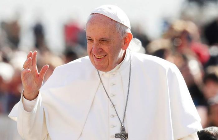 البابا فرنسيس يهنىء الراعي بعيد البشارة
