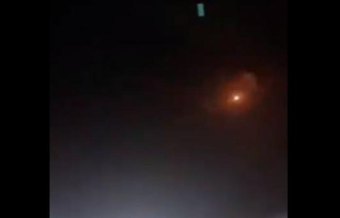 اليمن | الدفاع السعودي يعترض صاروخا.. والتحالف يدمر آليات حوثية
