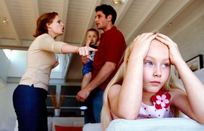 ماذا لو انشغل الأب عن عائلته؟