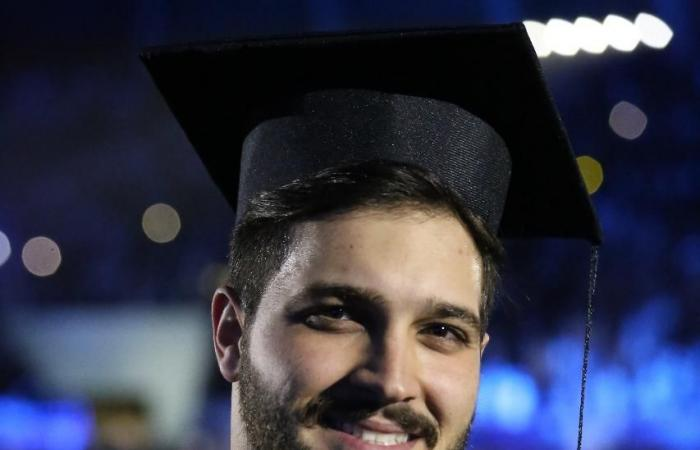 الخليح   هكذا عبر طلاب سوريون عن فرحتهم بالتخرج في السعودية