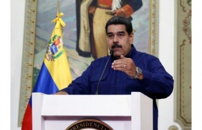 مادورو يطلب وساطة المكسيك والأوروغواي لحل أزمة فنزويلا