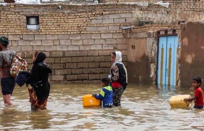 """إيران   الفيضانات تُغرق الأحواز.. وتذمر من """"إهمال متعمد"""""""