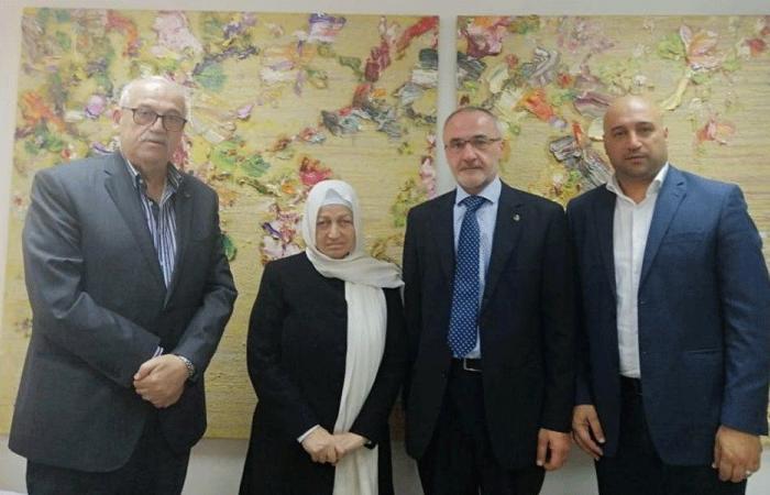 الحريري عرضت مع وفد نقابة المعلمين في السلسلة