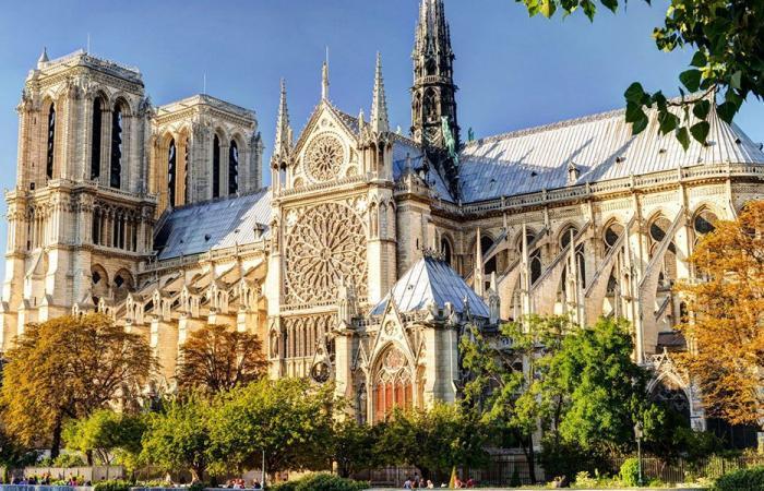 """""""نوتردام"""" أيقونة شاركت الباريسيين أفراحهم وأحزانهم"""
