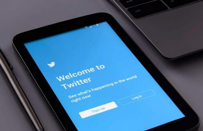 تويتر: حذفنا التغريدات المسيئة بشكل استباقي