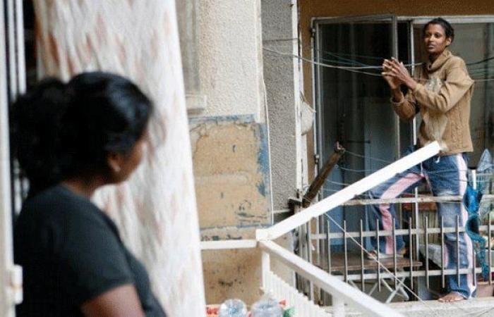"""""""العمل"""" تبدأ تحقيقاتها بشأن معاملة العاملات المنزليات"""