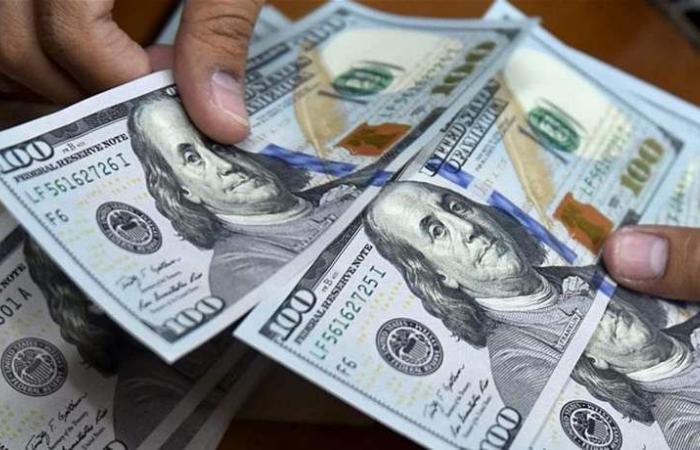 واشنطن تقوض الثقة بالدولار.. وهذا موقف روسيا