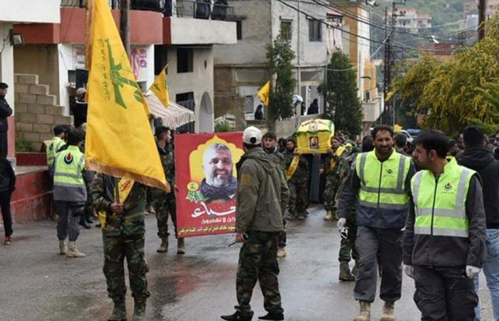 """بالصور: """"حزب الله"""" يشيّع مقاتلا قضى في سوريا"""