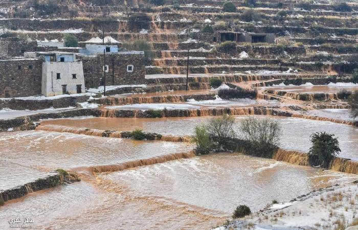 الخليح | بالصور.. برد في عز الربيع جنوب السعودية