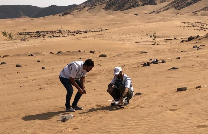 الخليح   450 سعودياً يهبون لنجدة المفقودين والعالقين في الرمال
