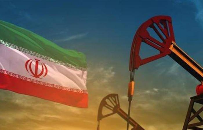 بالأرقام.. النفط يقفز بعد الأنباء عن إلغاء واشنطن الإعفاءات من العقوبات على إيران
