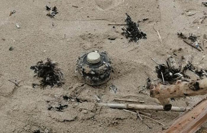 العثور على لغم عند شاطئ الخرايب